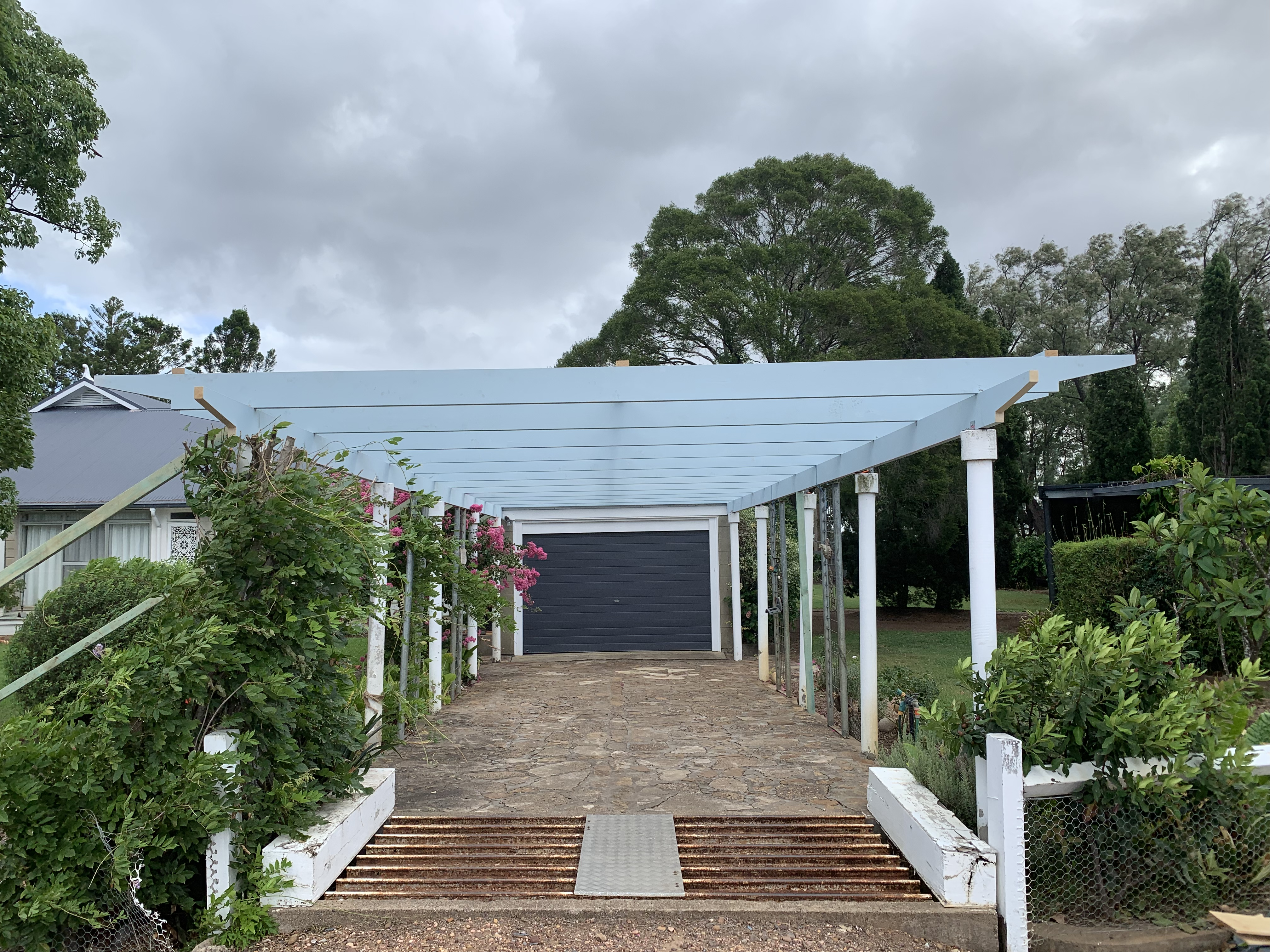 Replacement of an old Pergola